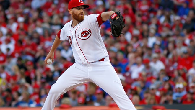 Cincinnati Reds starting pitcher Dan Straily throws against the Chicago Cubs in the second inning at Great American Ball Park.