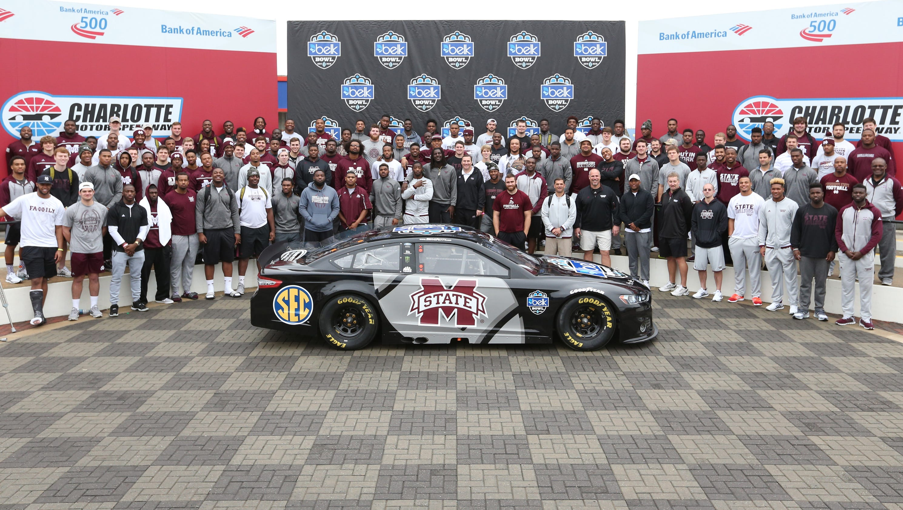 Msu 39 goes fast 39 in taking over charlotte motor speedway for Charlotte motor speedway zip code