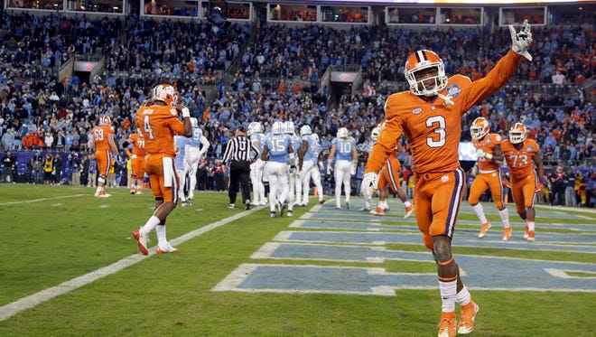 Clemson wide receiver Artavis Scott (3) could be revealed as an All-ACC preseason first-team selection at this week's ACC Kickoff in Charlotte, North Carolina.