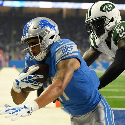 Lions receiver Marvin Jones catches a 5-yard touchdown
