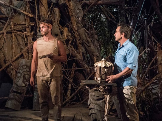 Michael Yerger plays his immunity idol at tribal council