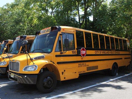 636077481561826346-School-bus-carousel-05.jpg