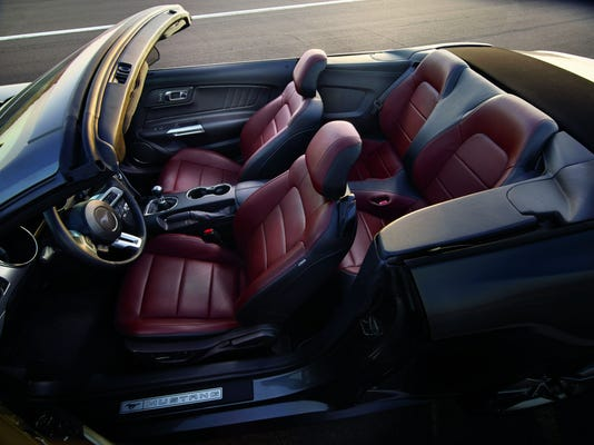 5 Seater Mustang >> 2015 Ford Mustang Convertible Backs Good Looks With Power Economy