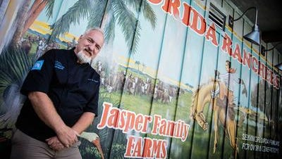 Celebrity chef Art Smith will give a demonstration at the Reunion Farmers Market in Madison on Sunday.