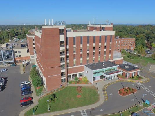 HealthAlliance-Hospital-Mary-s-Avenue-Campus-Web.jpg