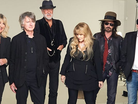 fleetwood-mac-new-lineup-first-picture-2018-77e1da91-6a10-46d3-8b48-a203c150139c.jpg