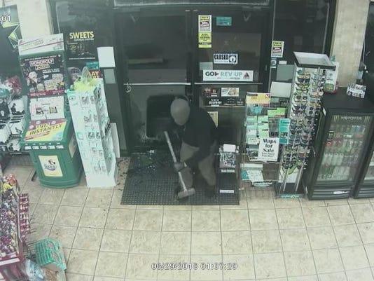636669891630153548-suspect-hammer.jpg