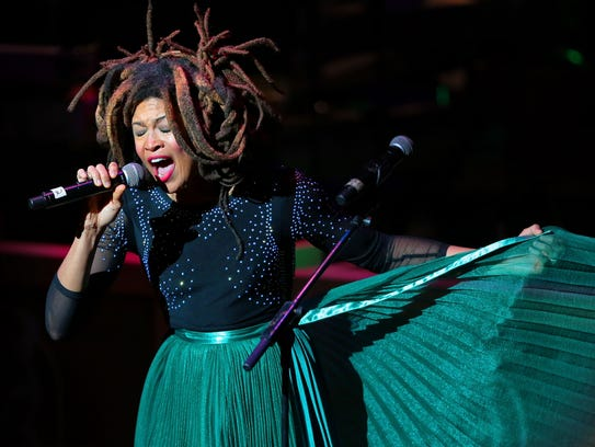 Valerie June pays tribute to Roy Orbison during the