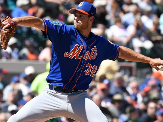 Steven Matz throws a pitch Friday.