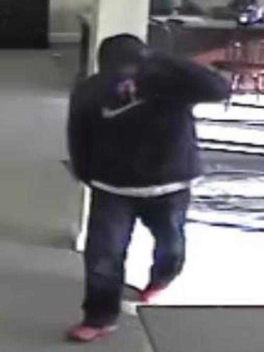 636214663919987329-Bridgewater-bank-robbery-suspect-2-.jpg
