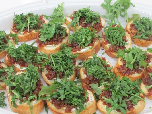 635611644145107408-Pic-4-Bacon-Jam-Crostini
