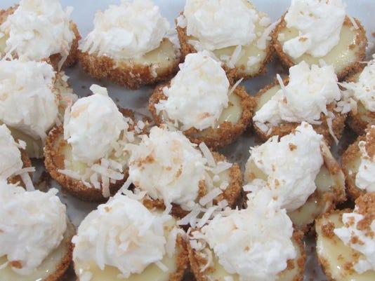 635611651980569635-Pic-6-Mini-Key-Lime-Pies
