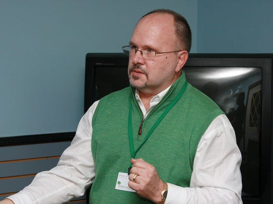 Douglas Stewart introduced the community members to the program and addressed specific concerns that neighbors had about the Recovery Home being in their neigherborhood Monday evening