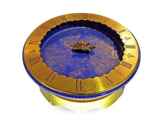 Gübelin Turtle Mystery Clock