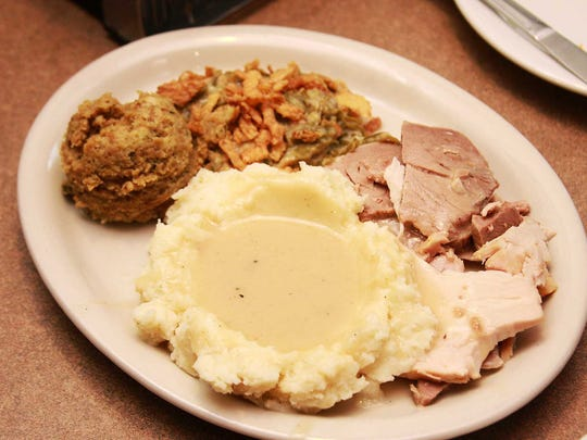 Broadway Grille serves free Thanksgiving meals in Marshall on Thanksgiving. They also deliver to the those working at Oaklawn Hospital and to first responders.