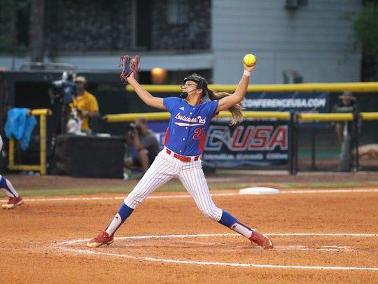 Louisiana Tech sophomore pitcher Krystal De La Cruz