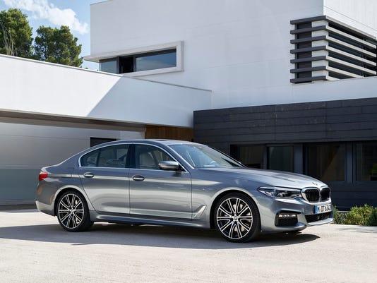 636350991824203845-2017-BMW-5-Series-sedan.jpg