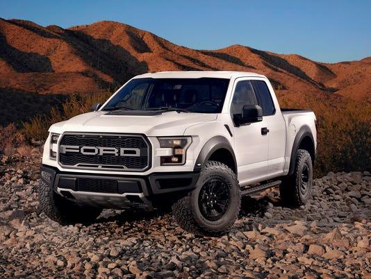 636363264419151450-2017-Ford-F-150-Raptor-pickup-truck.jpg