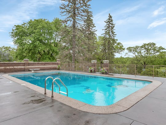 An outdoor pool complements the sea theme at 32208