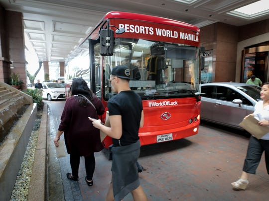 Some hotels cater to the city's medical tourists. Resorts World Manila provides guests free shuttle service to and from St. Luke's every hour.