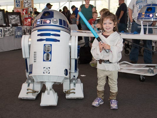 R2D2 and little Jedi