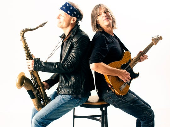 Bill Evans, left, and Mike Stern played together in