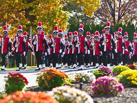 Mustang Marching Band taking part in the Clifton Veterans Day Parade