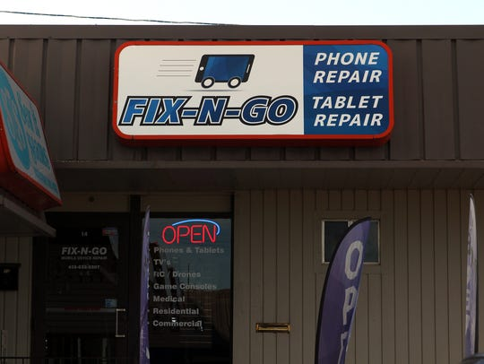 Fix-N-Go cell phone repair on the 400 block of south