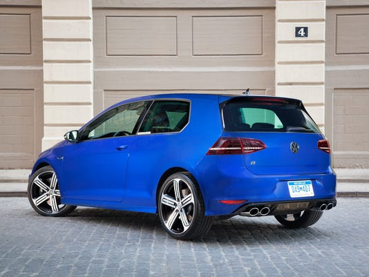 APC-2015-Volkswagen-Golf-R-hatchback