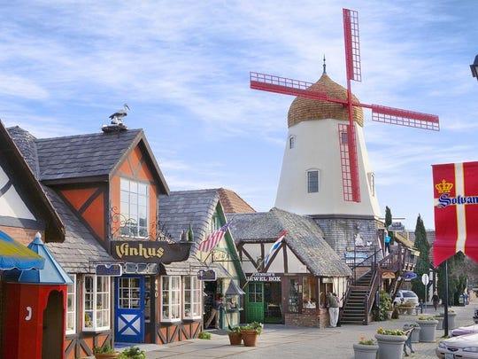 Solvang,CA_Windmill_Shops_SolvangUSA.com (2)