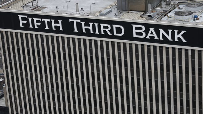 Fifth Third Bank tower on Fountain Square