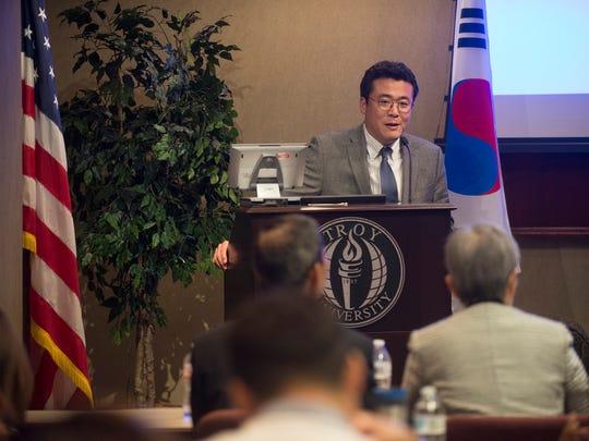 Soo Seok Yang speaks during a Korean cultural event in 2016.