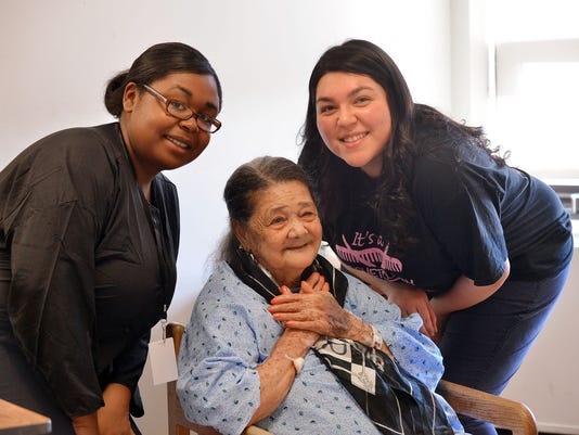 Belleville High School students gussy up recovering patients