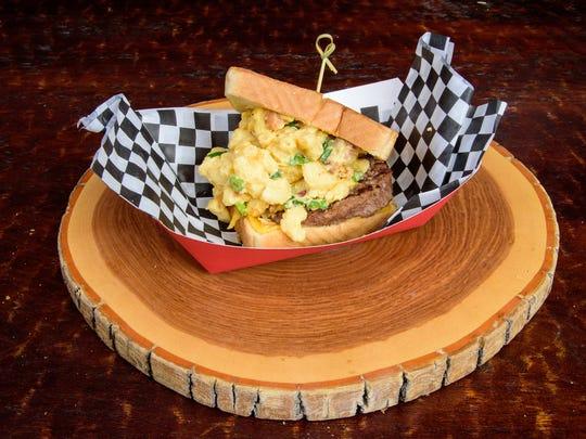 Bacon cheeseburger mac and cheesy.