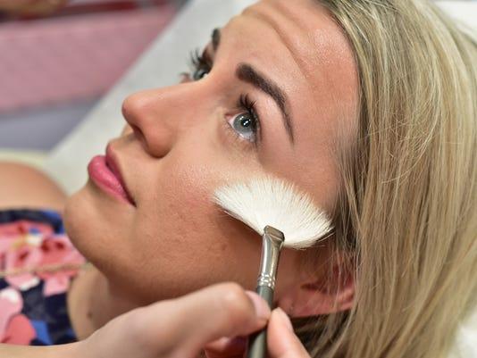 636359826182050698-Eyebrows-and-Makeup-10.jpg