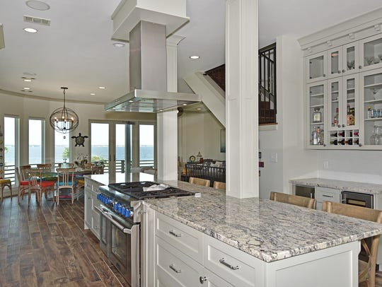 13 Seashore Drive, stainless appliances, bar seating