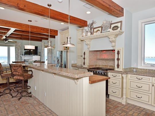 39 E. Galvez Ct., the open kitchen with bar seating