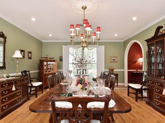 295 Plantation Hill Rd, the formal dining room.