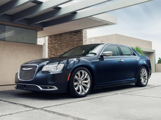 2015 Chrysler 300C Platinum (1)