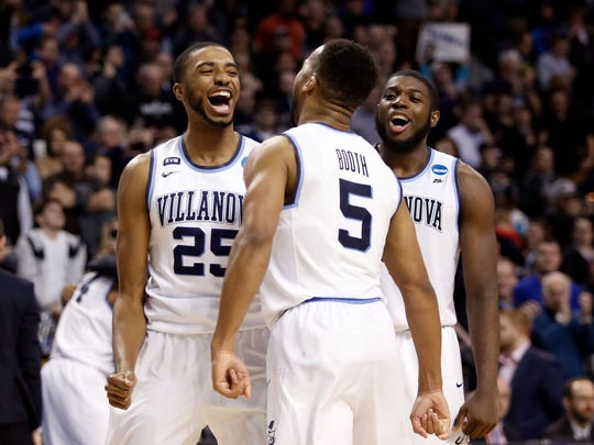Villanova Wildcats guard Mikal Bridges (25) and guard