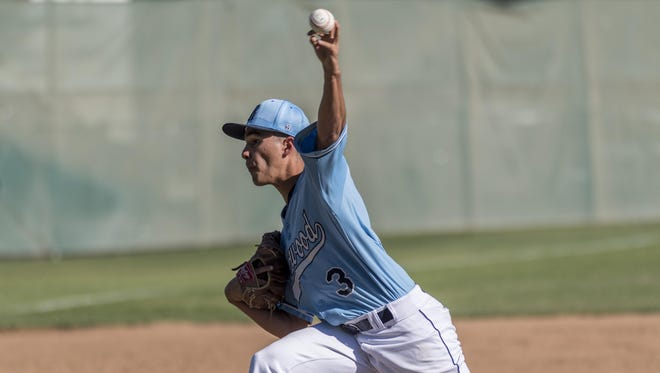 Redwood's Vincent Pratti pitches against Hanford West in a Central Section Division II quarterfinal high school baseball game on Friday, May 19, 2017.
