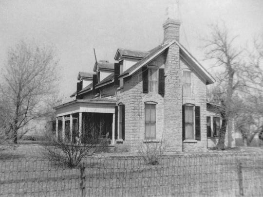 John Loomis built his Silver Cliff Ranch headquarters from stone quarried from Lipan Creek west of Paint Rock.