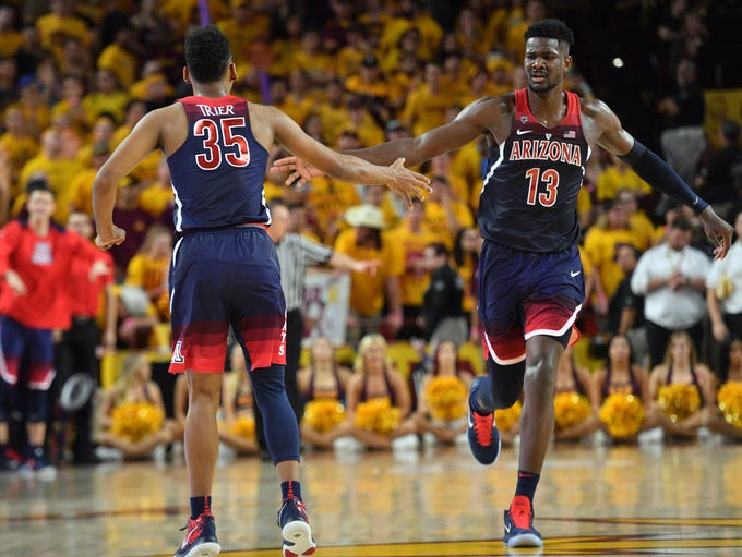 Arizona Wildcats guard Allonzo Trier (35) and forward