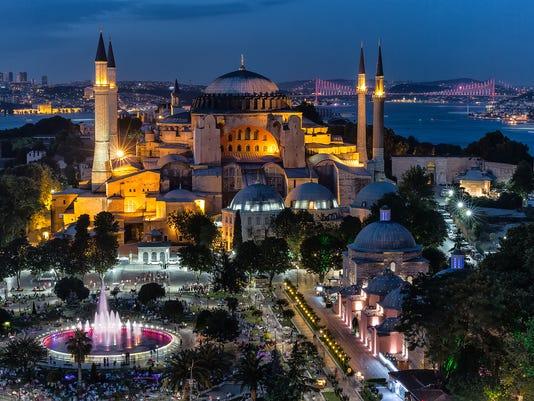Istanbul - Hagia Sophia enlightened by night
