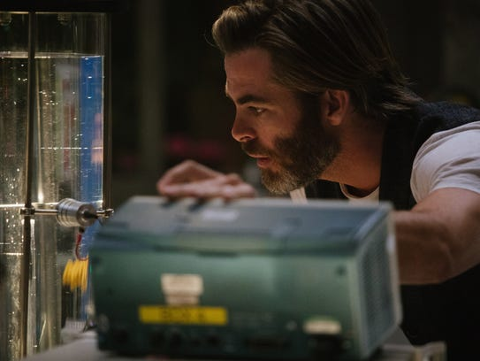 Chris Pine is Meg's missing dad, a world-renowned physicist.