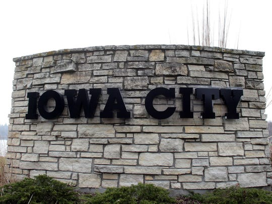 The Iowa City Council will take up discussion of the county's minimum wage ordinance on Oct. 6.