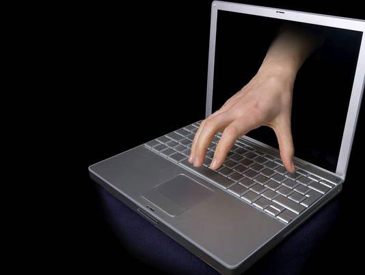 635901948167589061-hackerX2.jpg