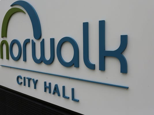 635985049423019544-norwalk-cityhall-2.jpg