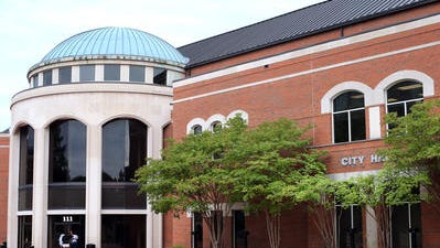 Murfreesboro City Hall is located at 111 W. Vine St.