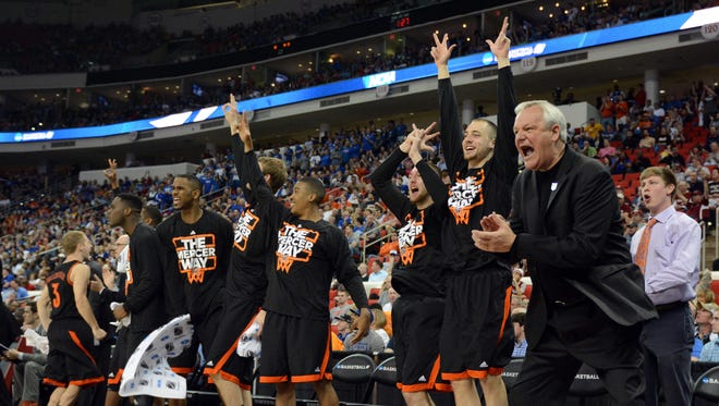 Mercer head coach Bob Hoffman and the Mercer Bears bench are into the game Friday.